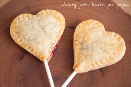 cherry-jam-heart-pie-pops1